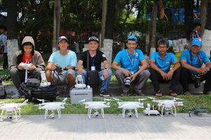 TPHCM: Hàng trăm flycam bay trên bầu trời Công viên Đầm Sen