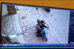 Clip: Sửng sốt cảnh thanh niên bẻ khóa trộm xe chỉ trong 3 giây