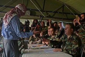 Hàng trăm tên khủng bố hạ vũ khí đầu hàng quân đội Syria ở Homs