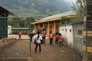 Sơn La: Phụ huynh trường nghèo 'chóng mặt' với các khoản phí vô lý