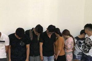 Đột kích căn hộ cao cấp phát hiện 16 đối tượng nam, nữ đang sử dụng ma túy