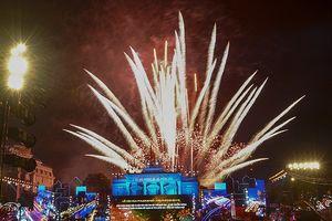 Bắn pháo hoa, diễu hành Carnaval tại Lễ hội Hoa Phượng Đỏ 2018