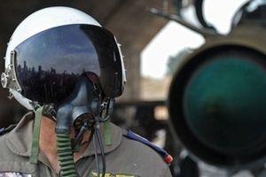 Không quân Syria phá nát căn cứ chiến lược của khủng bố ở Hama