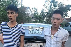 'Nhồi' 10.500 gói thuốc lá lậu trên ôtô từ Tây Nguyên xuống Bình Định