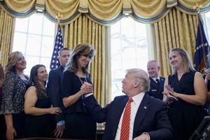 Tổng thống Mỹ Donald Trump ca ngợi nữ phi công cứu sống 149 người
