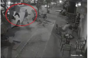 Chủ tịch Hà Nội Nguyễn Đức Chung yêu cầu điều tra vụ ném gạch quán cà phê