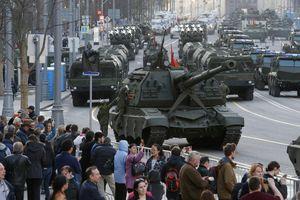 Bất ngờ rủi ro vướng phải khi Nga giảm chi tiêu quân sự