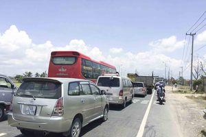 Khánh Hòa: Ùn tắc giao thông nghiêm trọng tại trạm thu phí Ninh Lộc