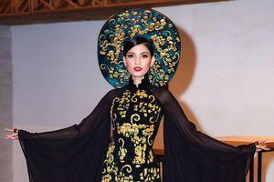 Trương Thị May quyền quý, kiêu sa trong tà áo dài truyền thống