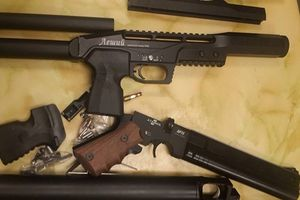 Trung úy đột nhập kho trộm súng bán lấy trăm triệu