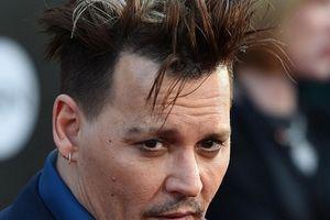 'Cướp biển' Johnny Depp bị hai vệ sĩ cũ tố không trả lương và có đời tư bê bối