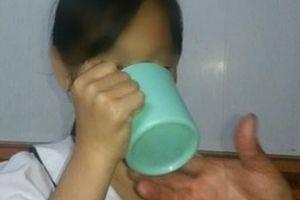 Thông tin mới nhất vụ cô giáo bắt học sinh uống nước giặt giẻ lau