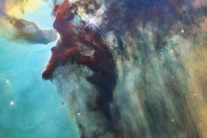 Ảnh tinh vân biểu tượng kỷ niệm 28 năm Kính Hubble hoạt động