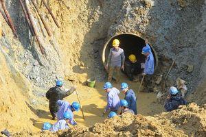 Đường ống nước sạch sông Đà lại gặp sự cố!