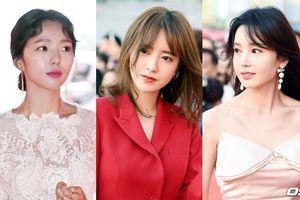 'Nàng cỏ' Goo Hye Sun đại náo thảm đỏ, đọ sắc cùng Nam Gyuri, Chae Soo Bin tại LHP quốc tế Jeonju