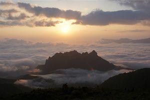Bạch Mộc Lương Tử: Biển mây giữa núi rừng Tây Bắc hùng vĩ
