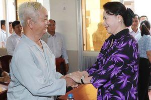 Chủ tịch Quốc hội tiếp xúc cử tri quận Cái Răng, TP Cần Thơ