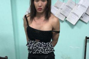 Lời khai của 2 kẻ giả gái bán dâm đột nhập xe Camry trộm 210 triệu