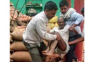 Bão cát tàn phá Ấn Độ