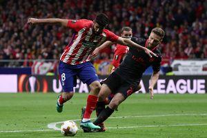 Diego Costa và Atletico Madrid phá tan giấc mộng của Arsenal cùng Wenger