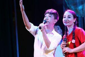 Long Nhật đạt Huy chương bạc từ vở diễn 'Dưới ánh đèn' tại Liên hoan sân khấu toàn quốc