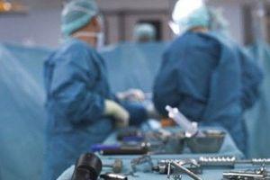 Hy hữu: Bác sĩ phẫu thuật xong mới phát hiện nhầm bệnh nhân