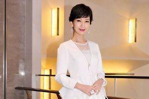 Á hậu U70 của Hong Kong khiến báo Hàn 'sốc' vì quá trẻ