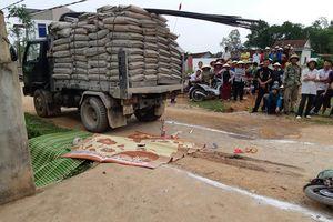Nghệ An: Bé gái 3 tuổi tử vong dưới gầm xe tải trên đường đi học