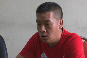 Bắt quả tang một người Trung Quốc đang rút trộm tiền tại cây ATM