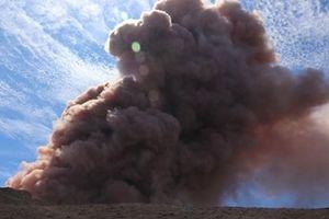 Núi lửa Hawaii 'tỉnh giấc', 10.000 người phải sơ tán