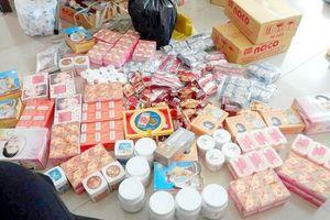 Phát hiện gần 2.000 hộp mỹ phẩm không rõ nguồn gốc tại Vĩnh Long