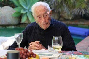 Học giả Australia 104 tuổi và hành trình tìm đến cái chết ở Thụy Sỹ