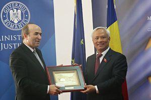 Phó Chủ tịch Quốc hội Uông Chu Lưu gặp Phó Thủ tướng Romania