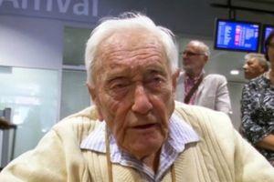 Tiến sĩ 104 tuổi chuẩn bị uống thuốc độc để ra đi êm ái