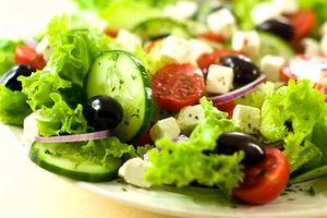 5 cách chế biến salad cực dễ cực ngon, bé ăn thun thút