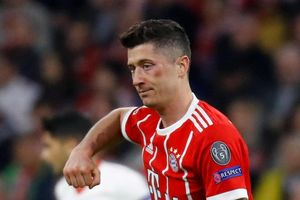 'Bật' HLV Heynckes, Lewandowski đếm ngược ngày rời Bayern