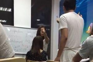 'Không thể chấp nhận cô giáo tiếng Anh chửi học viên là con lợn'