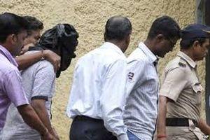 Ấn Độ bắt 14 kẻ nghi hiếp dâm, đốt nhà giết hại thiếu nữ
