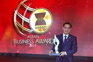 Ông Lê Văn Tần được bầu làm Chủ tịch SeaBank thay bà Nguyễn Thị Nga