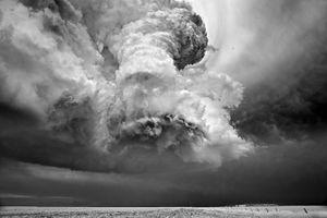 Chiêm ngưỡng vẻ đẹp khủng khiếp của những cơn bão