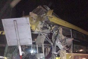 Hà Tĩnh: Tai nạn giao thông nghiêm trọng, 14 người thương vong