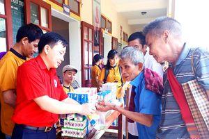 Hơn 700 người nghèo xã biên giới được khám, cấp thuốc miễn phí