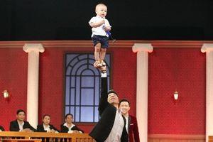 Diễn xiếc với con trai 16 tháng tuổi, Quốc Nghiệp thắng ở game show