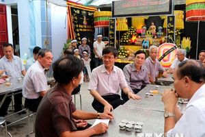 Thăm hỏi gia đình các nạn nhân vụ tai nạn tại Công ty Thép Hòa Phát
