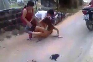 Tạm giữ người vợ đánh ghen lột quần áo, cắt tóc nhân tình chồng