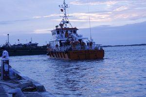 Vũng Tàu: Cứu sống 3 ngư dân gặp nạn trong đêm