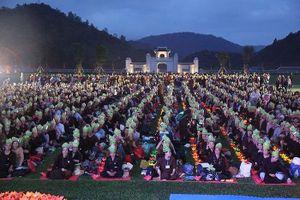 Gần 4.000 phật tử về non thiêng Yên Tử để kính Phật
