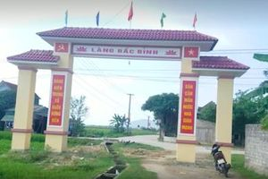 Hà Tĩnh: Vì sao xây cổng làng trên mương nước thủy lợi?