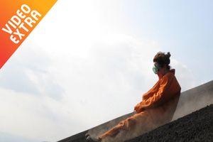Trượt trên sườn núi lửa: Trò chơi tử thần được nhiều người yêu thích