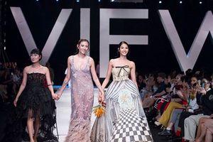Thời trang cao cấp Italy đổ bộ sàn diễn Việt Nam